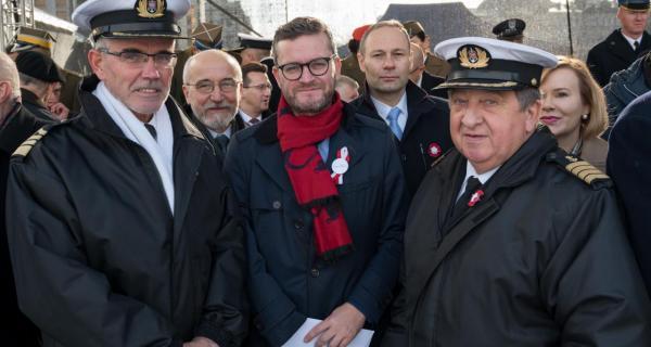 Na zdjęciu wspólnie z wiceministrem Gospodarki Morskiej i Żeglugi śródlądowej Grzegorzem Witkowskim i prezesem Zarządu PRS Andrzejem Madejskim