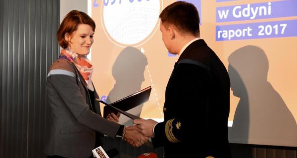 Podpisanie porozumienia między Gdynią i Akademią Morską podczas poniedziałkowej konferencji prasowej, fot. Jan Ziarnicki